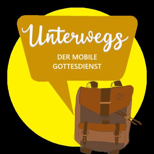 """Logo: Gelber Kreis mit Rucksack und ockerfarbener Sprechblase """"Unterwegs - DER MOBILE GOTTESDIENST"""""""